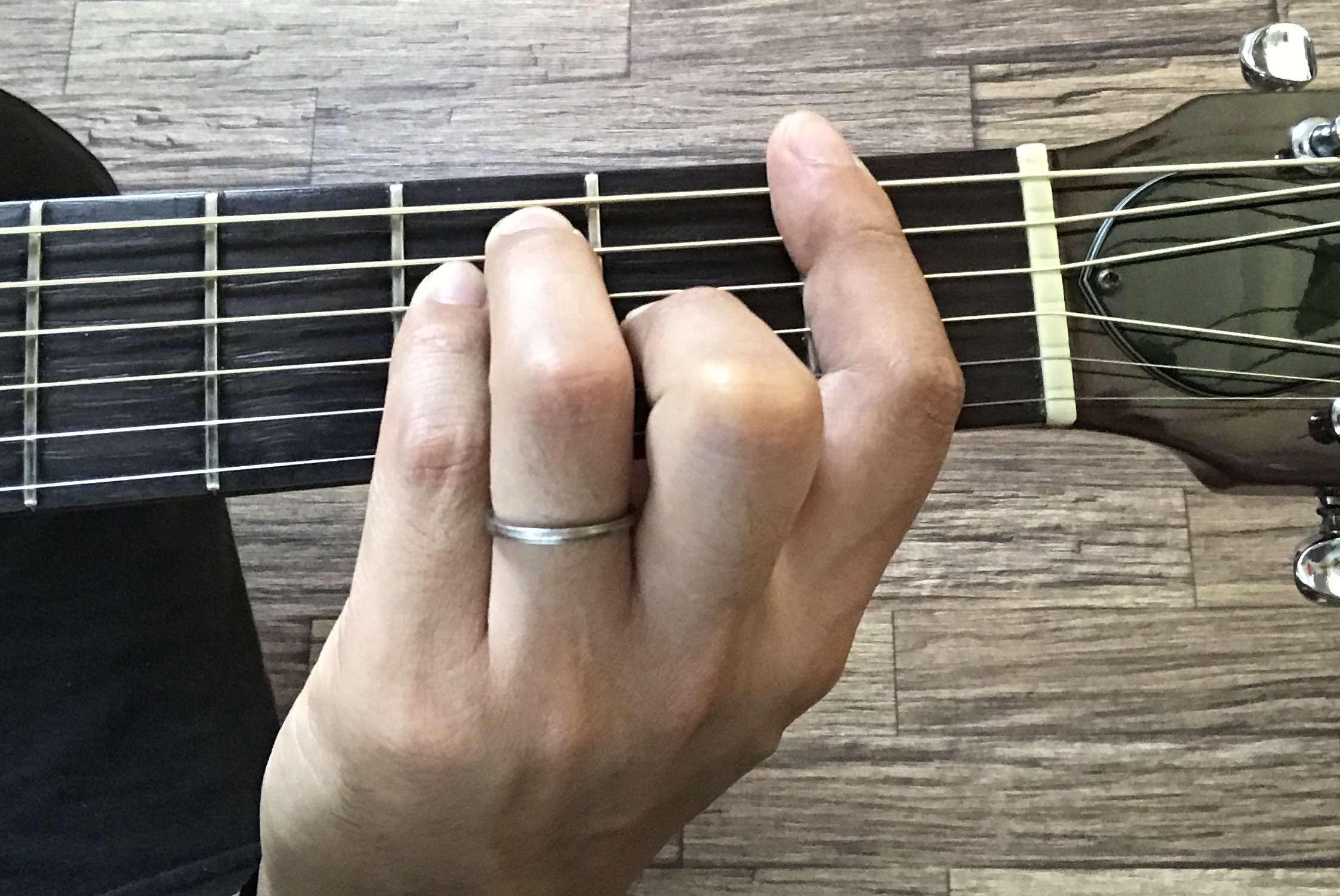 ギターのFコード(バレーコード)を押さえるコツを解説