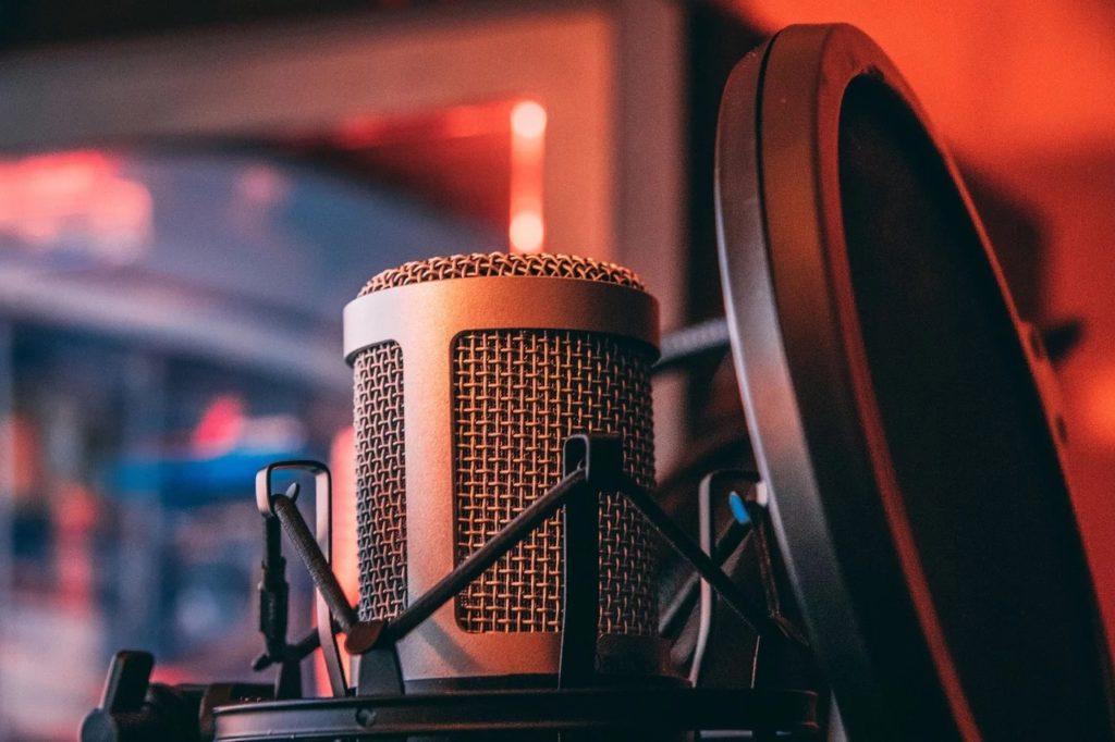 歌声がこもる人の通りやすい声の作り方