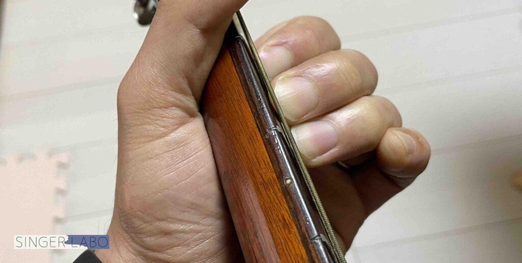 Eコードを押さえるコツ③ : 指をしっかりと立てる